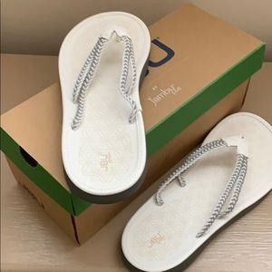 JBU by Jambu ,Key West ,white/grey Sandal
